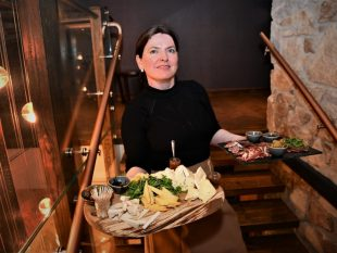 Santina Kennedy of Powerscourt Distillery with food on stairs (2)